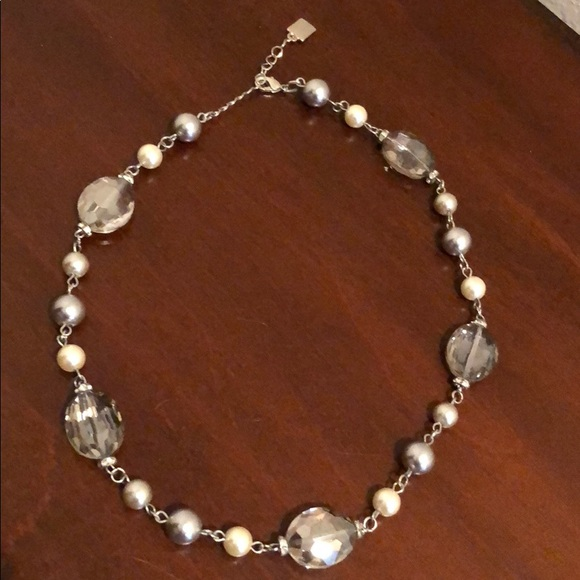 Jewelry - Pearl & Beaded necklace